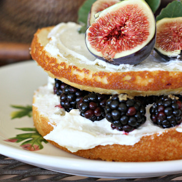 Naked Berry Cake (Kristin's Wedding Update)