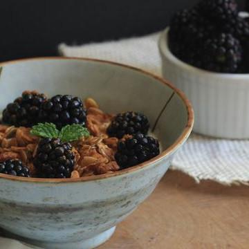 Blackberry Granola Parfait