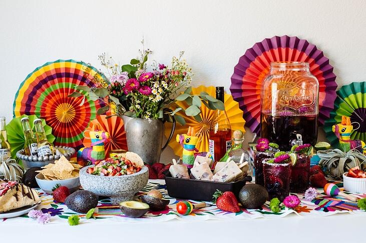 cinco de mayo tablescape-1-931052-edited.jpg