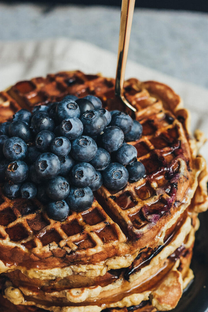 paleo_blueberry_waffles_edited-10.jpg