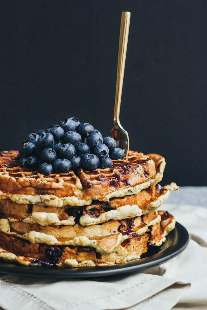 paleo_blueberry_waffles_edited-11.jpg