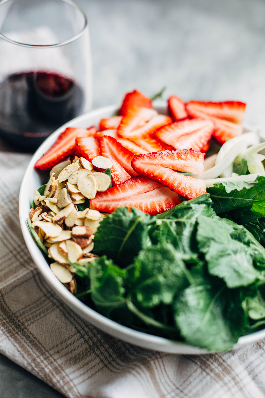 strawberry_and_kale_salad_edited-3.jpg