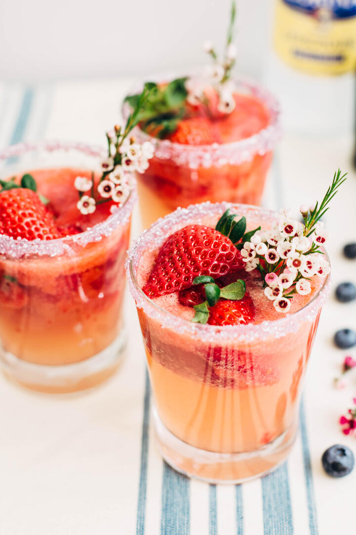 strawberry_lemonade_spritzer-9.jpg