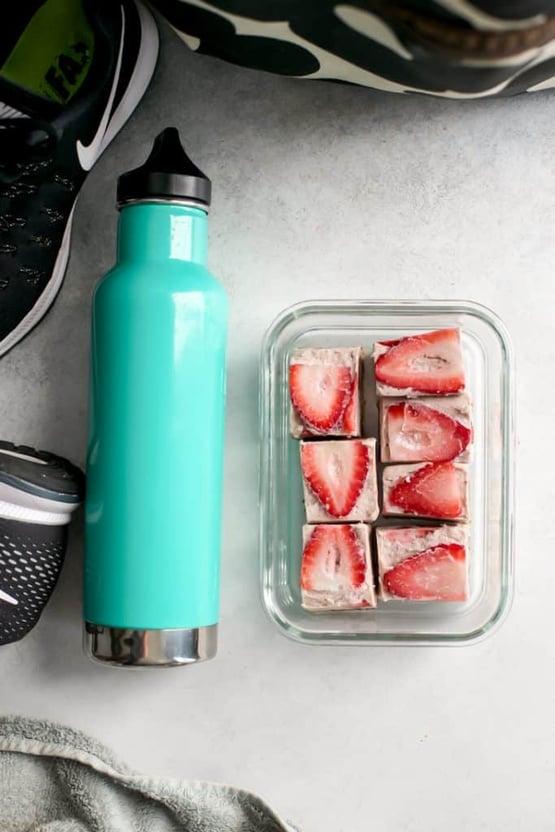 Strawberry-Freezer-Fudge-8