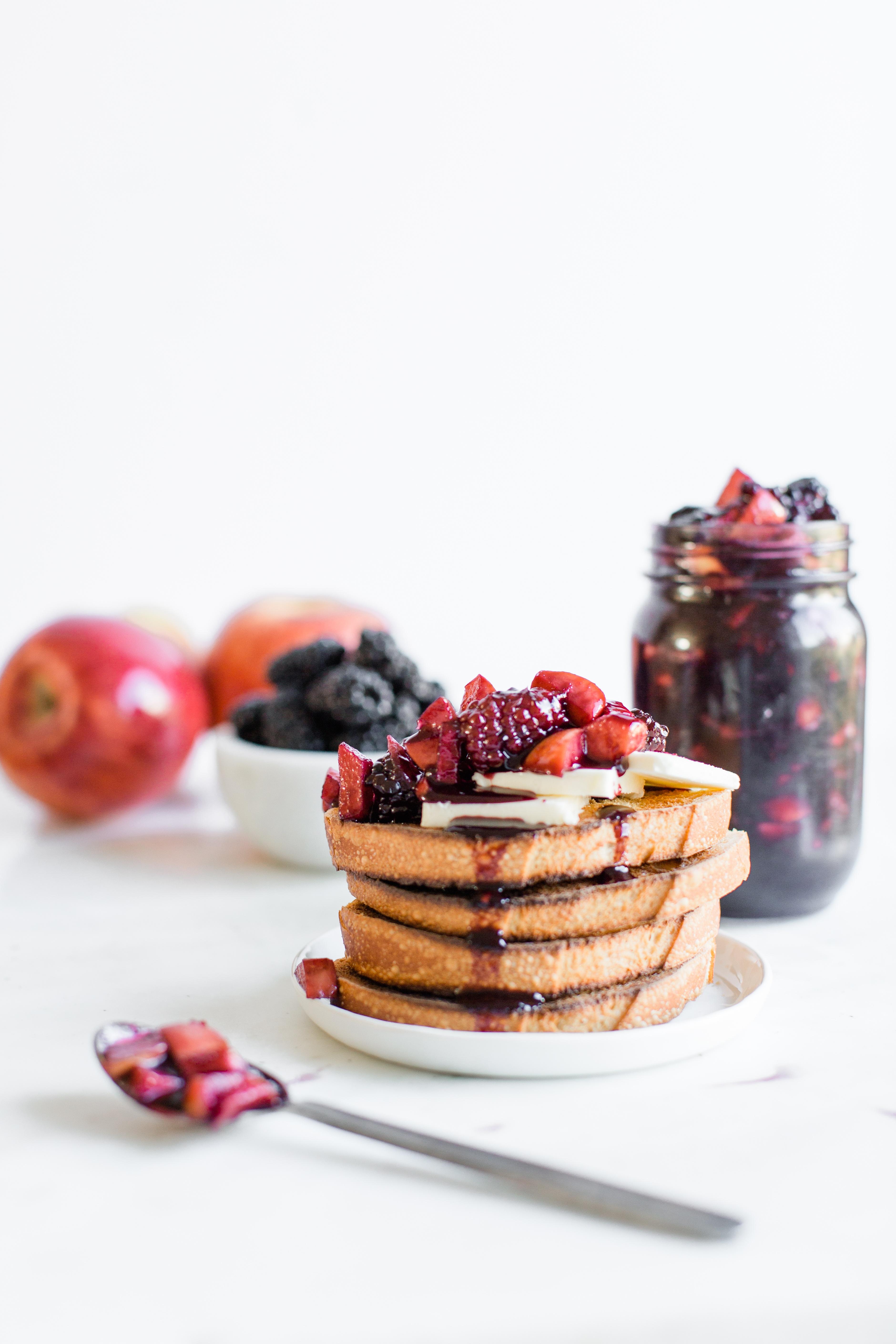 apple blackberry jam-21.jpg