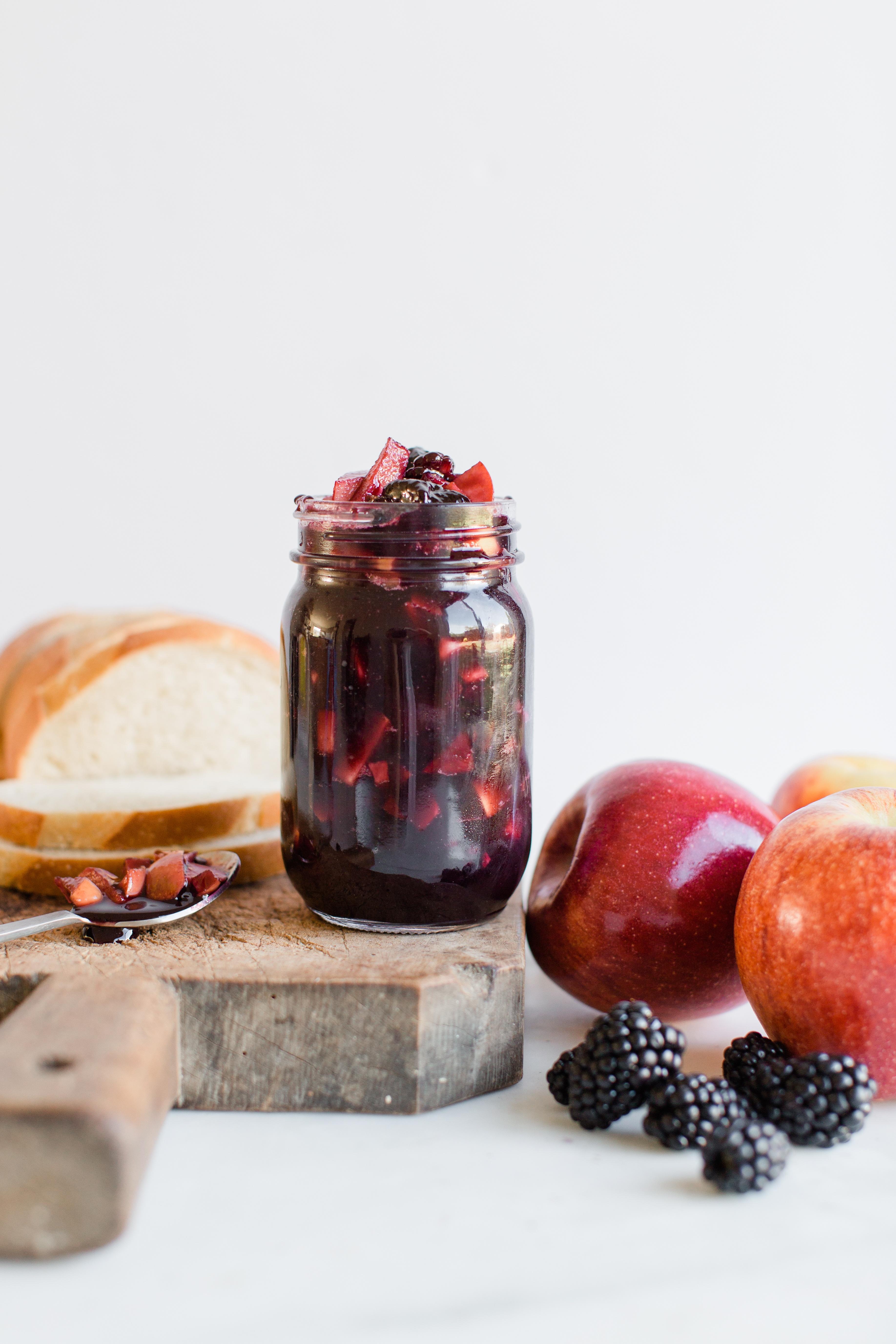 apple blackberry jam-3.jpg