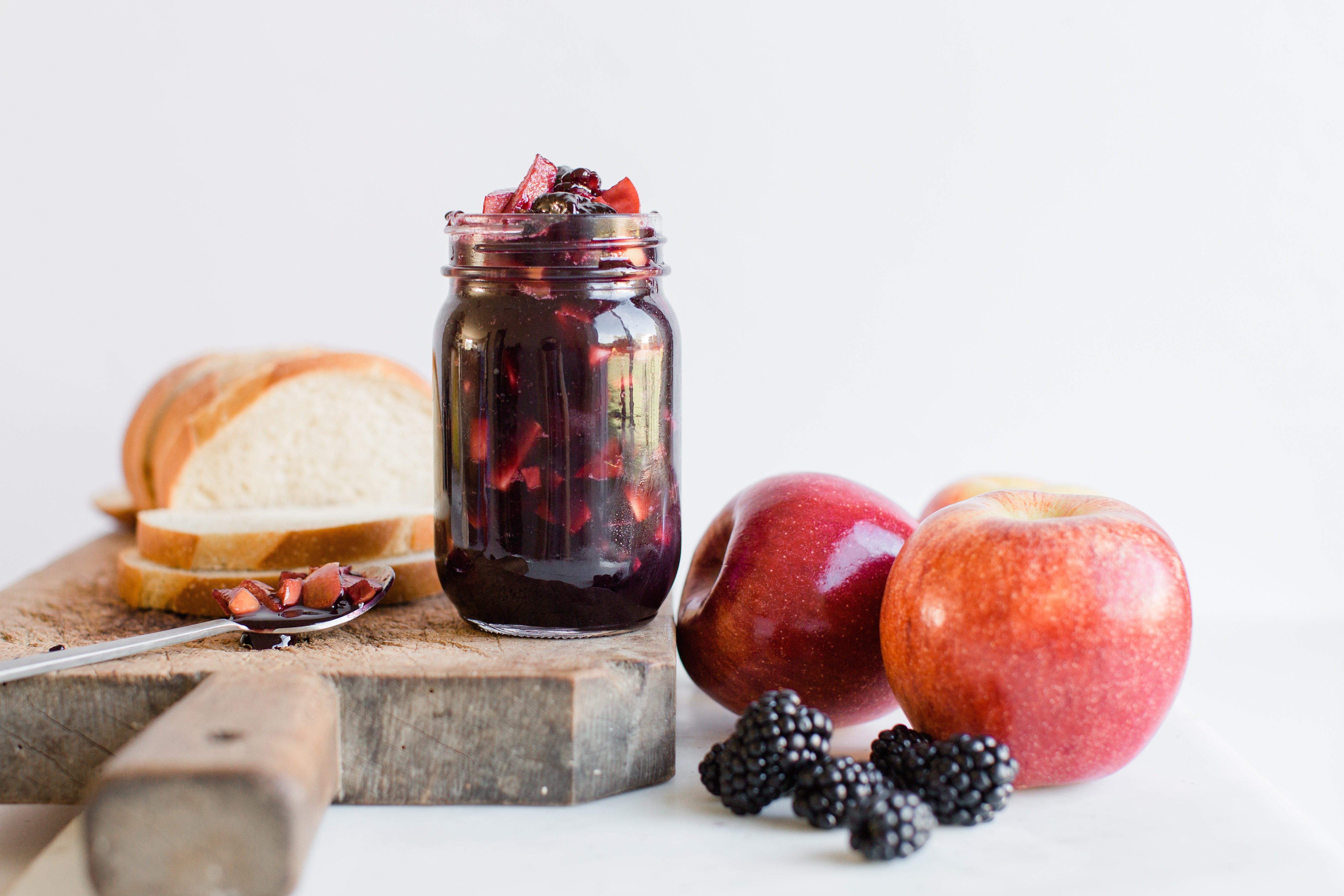 apple blackberry jam-5.jpg