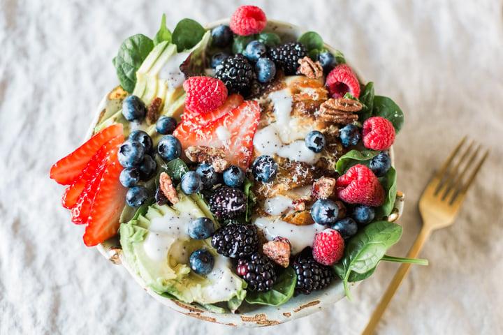 berry avo salad-4.jpg