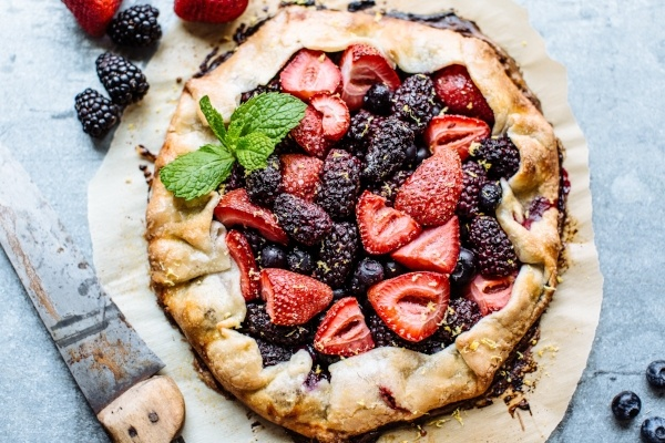 berry galette 600x400