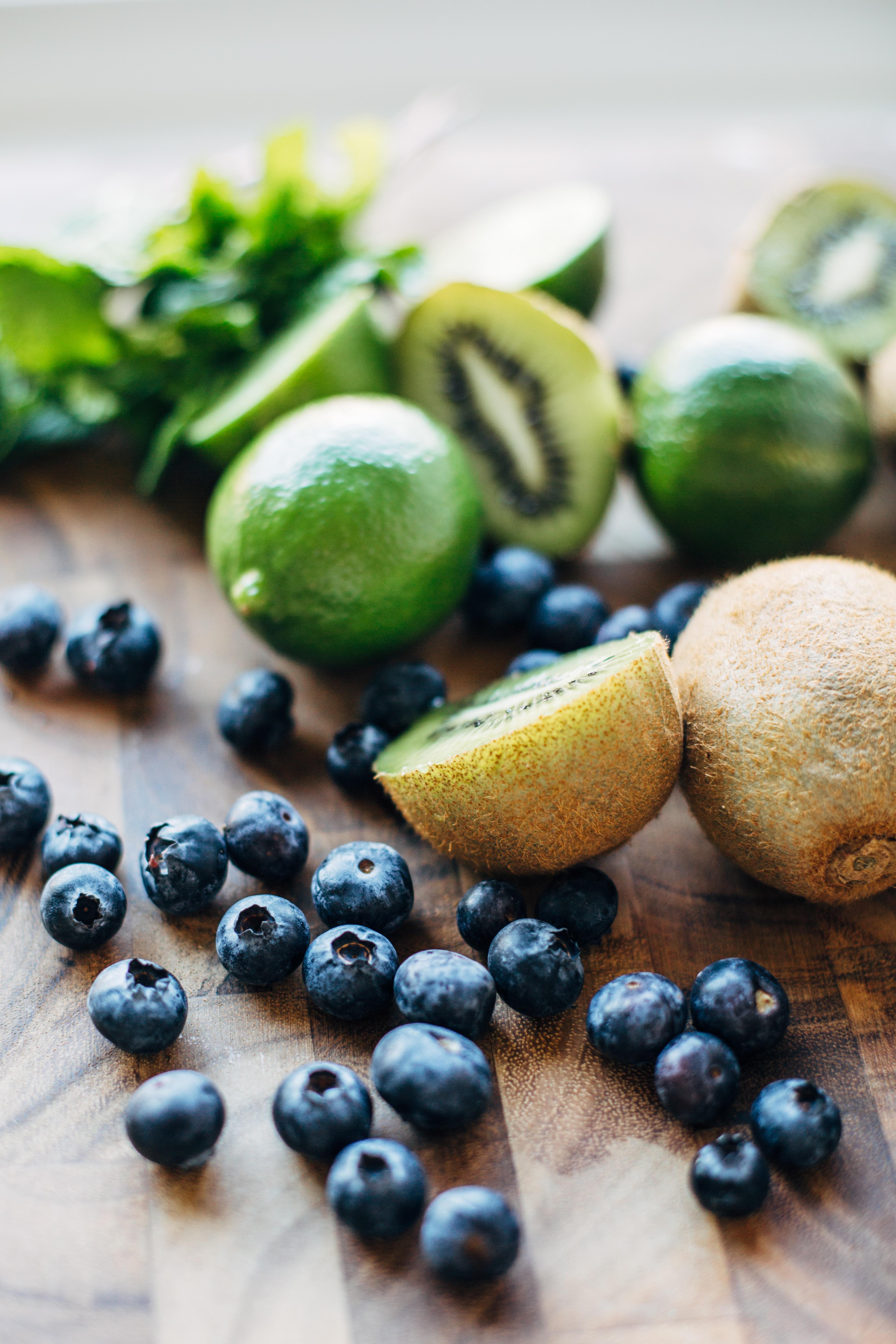 blueberry kiwi mojito-2.jpg
