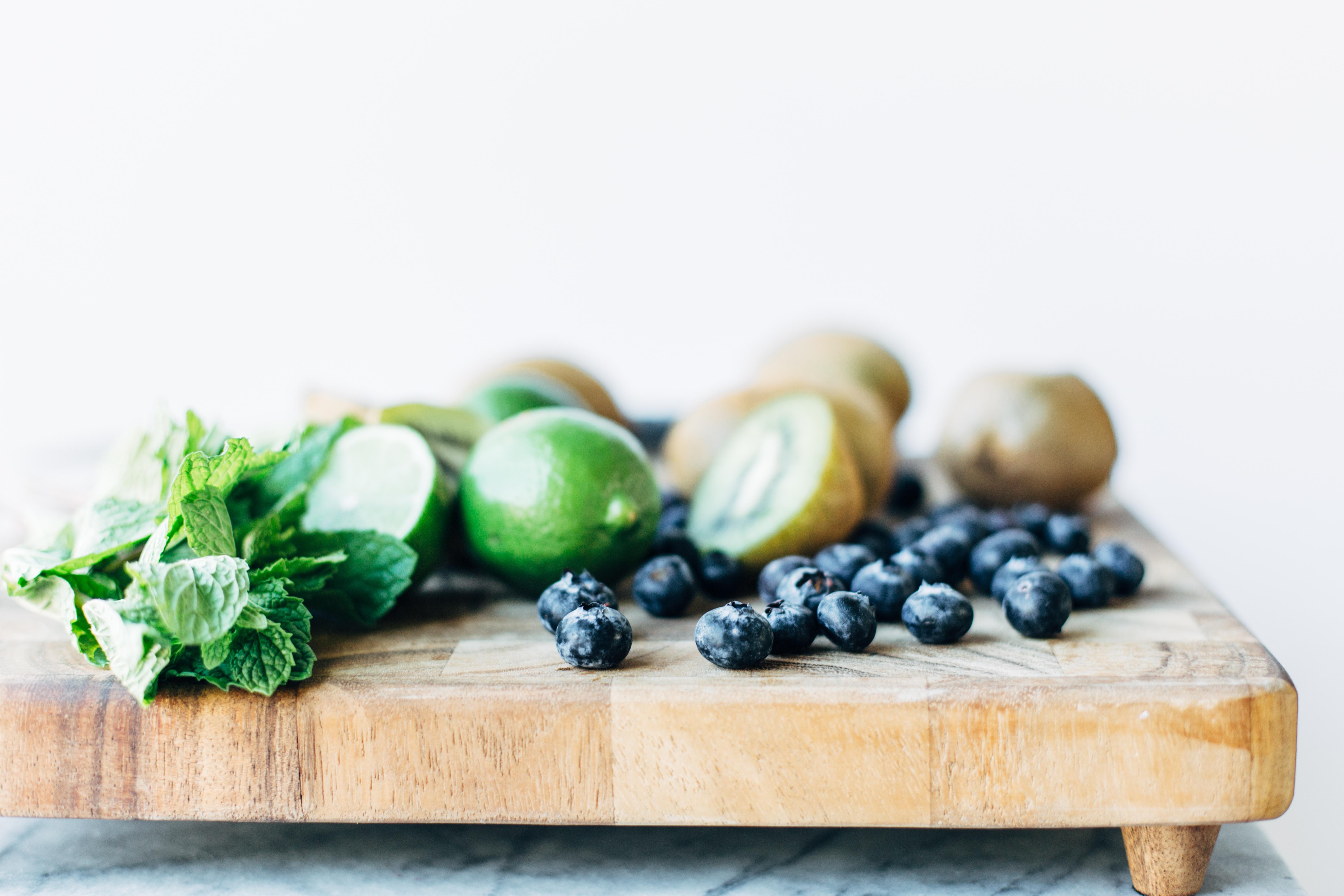 blueberry kiwi mojito-3.jpg