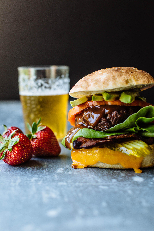 cal giant burger-1.jpg