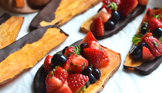 chocolate-dipped-sweet-potato-toast-with-strawberry-salsa-4-562847-edited.png