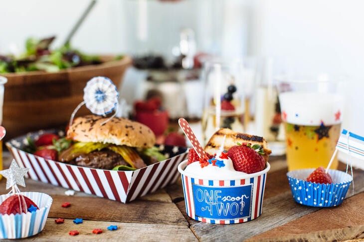 fourth of july tablescape-2.jpg