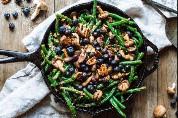 Shiitake Blueberry Green Beans