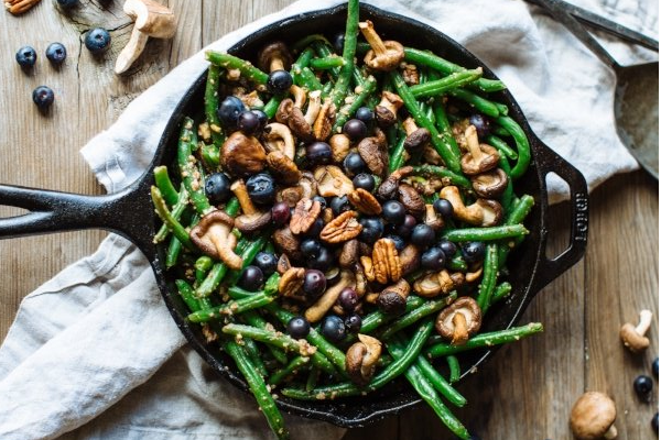 Shiitake Blueberry Green Beans