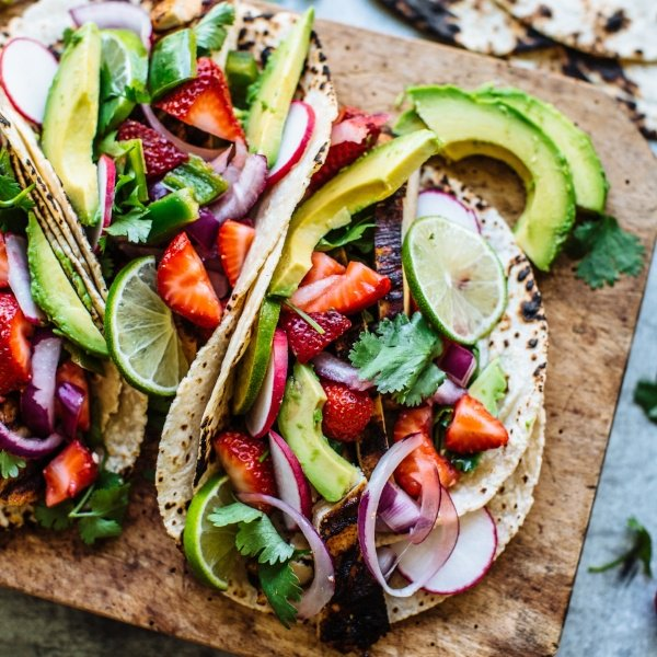 l-r-tacos-with-strawberry-salsa