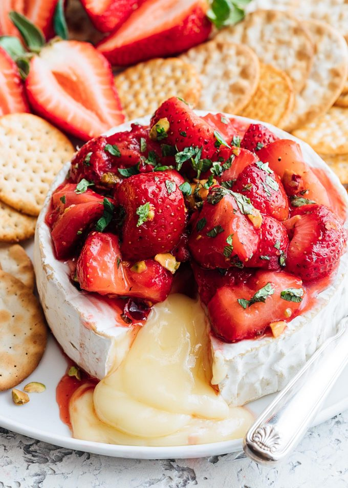 roasted-strawberry-baked-brie-recipe-19-680x952