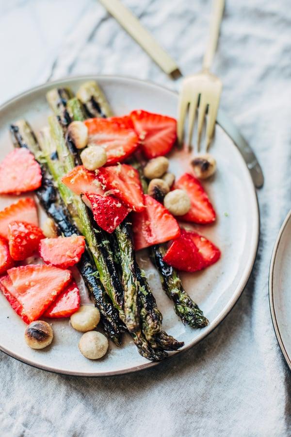 strawberry asparagus salad-2