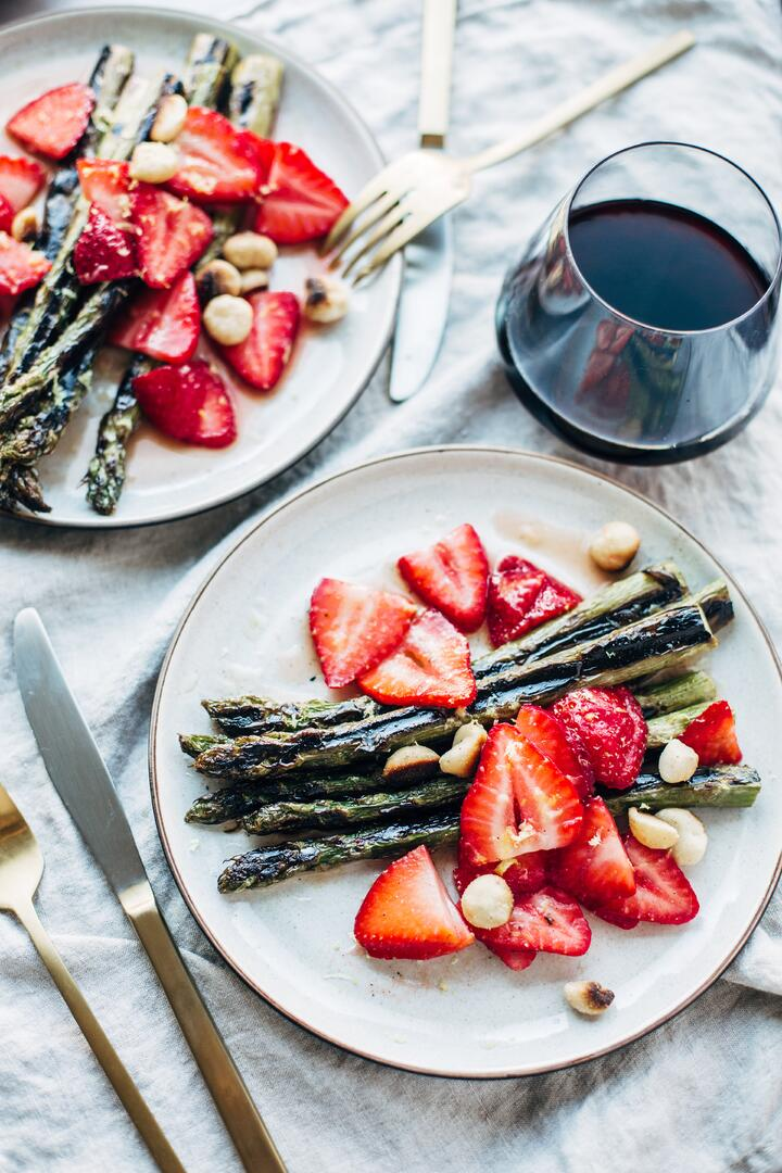 strawberry asparagus salad-3.jpg