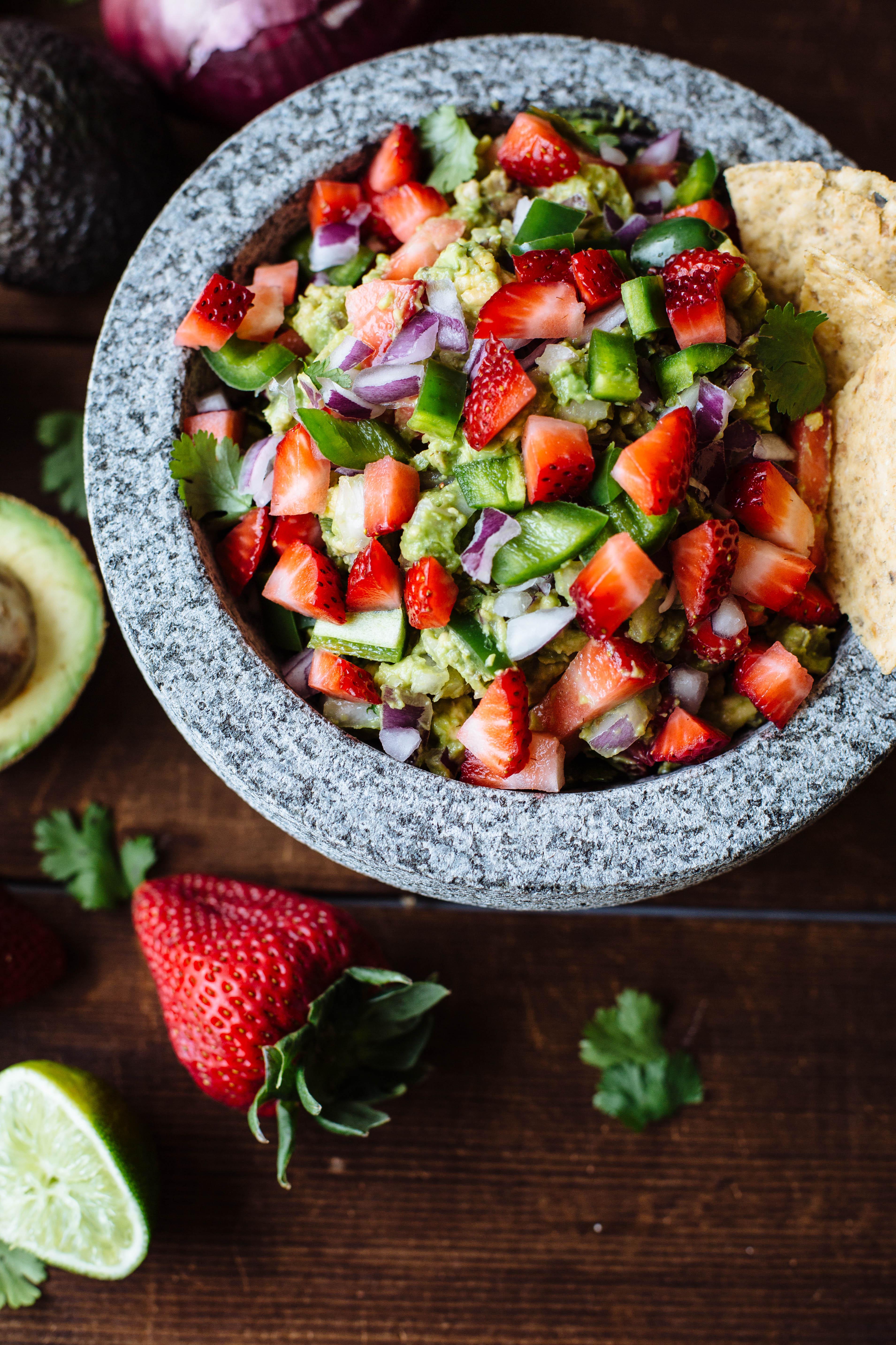 strawberry guacamole-4.jpg
