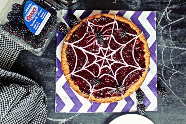 Spider Web Blackberry Dessert Pizza