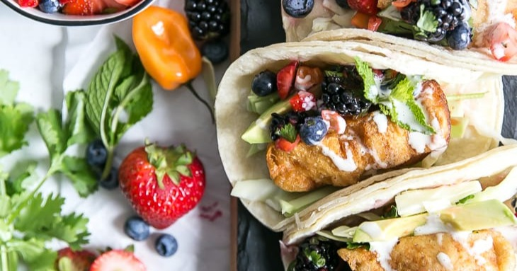 Paleo-Fish-Tacos-with-Berries-15