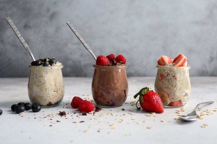 Post-Workout Overnight Oats with Berries [3 Ways!]