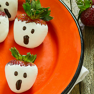 A Berry Scary Halloween Ghost