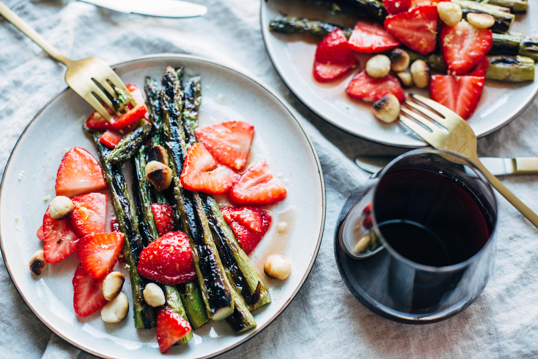 Strawberry & Grilled Asparagus Salad