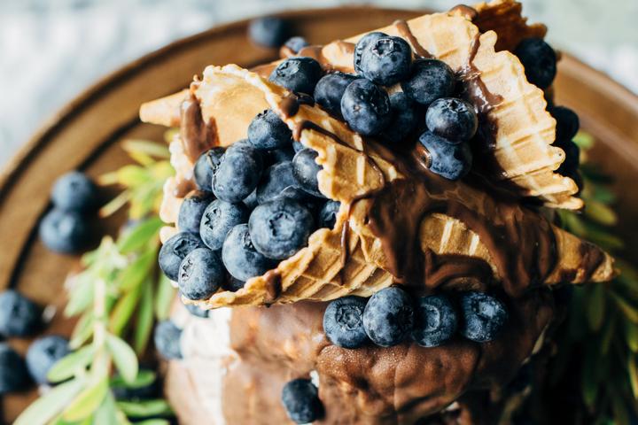 Easy Blueberry Ice Cream Cake